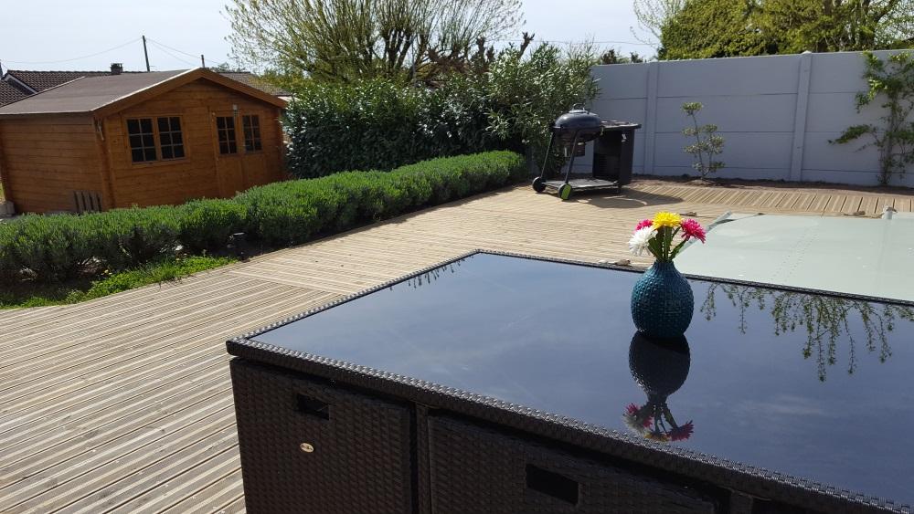Peindre un chalet de jardin pour le moderniser mama twins for Chalet de jardin bretagne